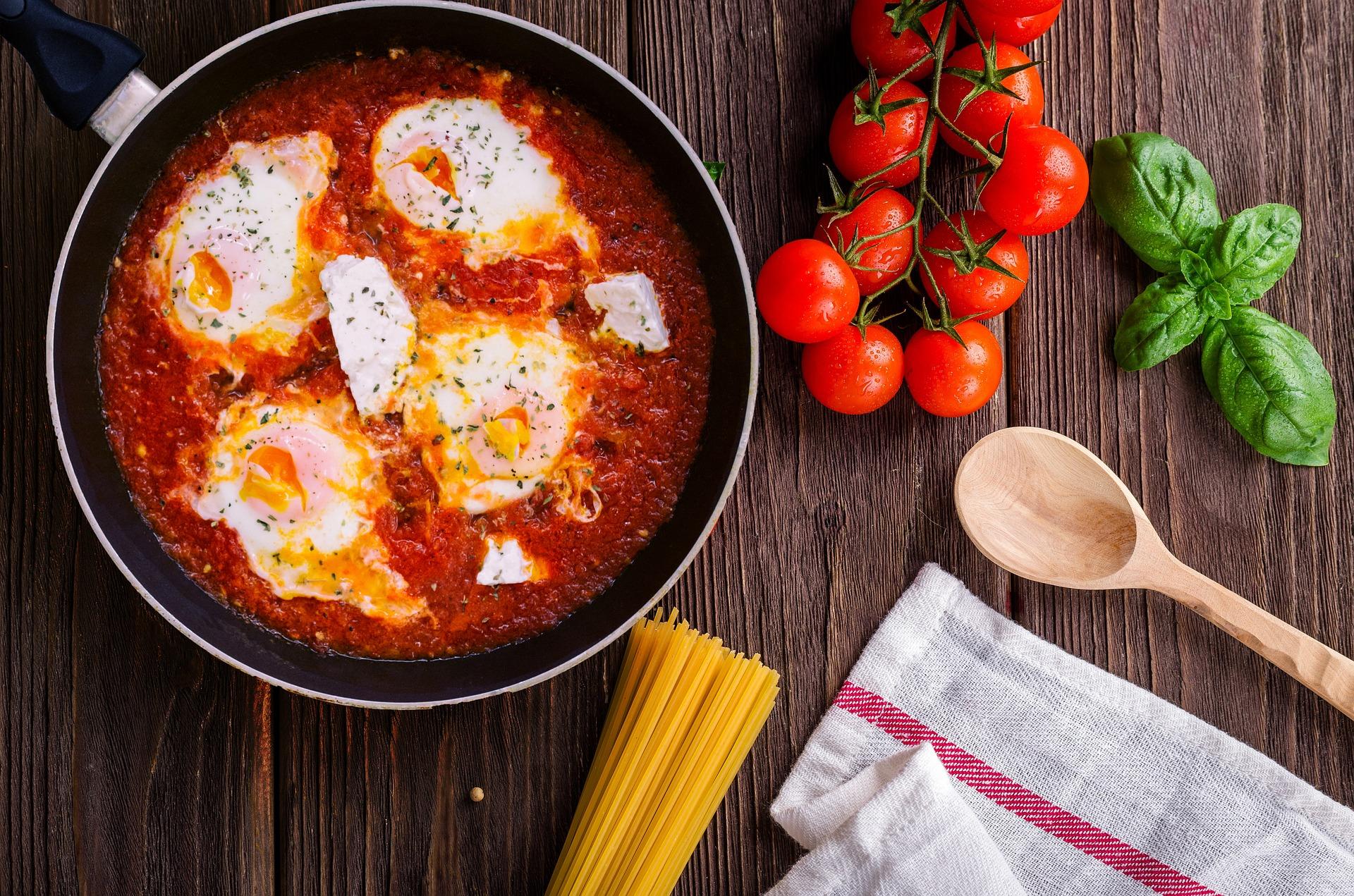 plat oeufs tomates clcv